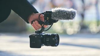Являясь последним дополнением к линейке Sony Cinema Line, модель FX3 отличается кинематографическими возможностями