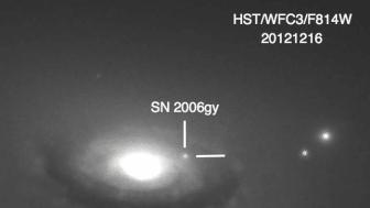 Supernovan SN 2006gy. Foto: Fox et al 2015.