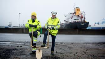 哥德堡能源港副总裁 Jill Söderwall 女士与 Swedegas公司首席执行官 Johan Zettergren 先生在项目破土动工仪式现场。图片提供:Swedegas.