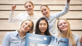 FJORÅRSVINNERNE: I fjor var det elevene fra Vågsbygd vgs. i Kristiansand gikk av med seieren. Samme skole er en av tre superfinalister i år.