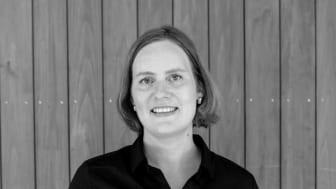 Ida Sannes Hansen er formidlingskoordinator på Astrup Fearnley Museet, og i samarbeid med museets kunstfaglige avdeling har hun utviklet de helt nye kunsthistoriekursene «Hva er samtidskunst?» på museet. Foto: Michael Angeles