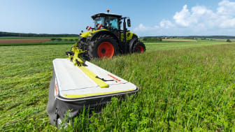 CLAAS presents the DISCO 4400 CONTOUR with 4.20 m working width and vector folding