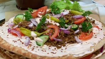 Kebabsmörgåstårta