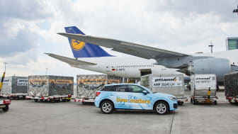 Lufthansa transports relief goods to India (Correction)