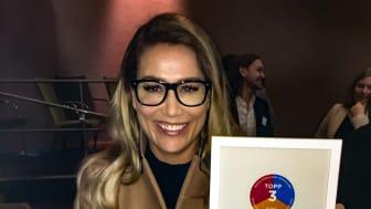BoKlok säljledare Kim Holmgren fanns på plats vid morgonens prisutdelning och fick äran att ta mot diplomet