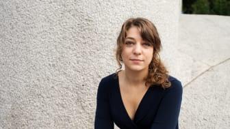 Debuterer med feministisk diktsamling om einsemd og lausriving