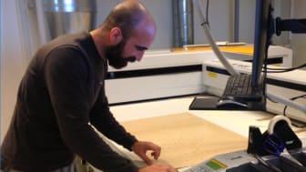 Arash Nilaky har nu arbejdet hos Mekoprint i seks måneder