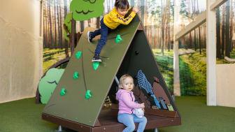 Moomin_Play_by_Lappset_Snusmumrikens-lägerplats_Snusmumrikens-tält_Mumin_960x564px
