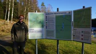 Nu är det lättare att få information om olika löpspår, cykelleder och vandringsleder vid Bjursjön, säger friluftsutvecklare Robert Wahlström.