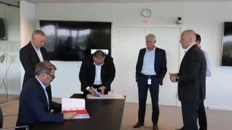 Underskrivelse af kontakten mellem NNIT og Saint-Gobain