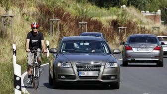 Mit Großzügigkeit und gegenseitiger Rücksichtnahme aggressivem Verhalten im Straßenverkehr gegensteuern. Foto: SIGNAL IDUNA