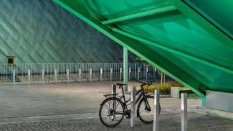 Blenda cykelpollare med LED-belysning, Blenda Design. Tomteboda Stockholm. Foto: Jann Lipka