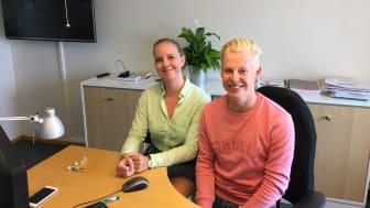Alva Sjunnesson och Ludvig Jönsson, sommarjobbare och solcellsspanare på Öresundskraft.