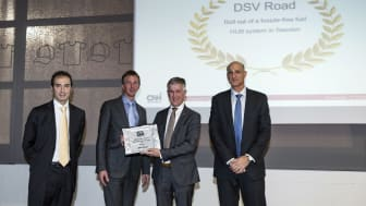 Receiving the award (from left to right): Fabrizio Sanna, Head of EMEA Logistics Contracting (CNH), Crispijn Roos, Global Account Manager (DSV), Wilbert Tholhuijsen, Divisional CCO (DSV Road), Dror Noach, VP Global Logistics (CNH)