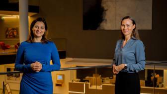 Kommunikasjonsdirektør Margrethe Assev med Storebrands nye spare- og forbrukerøkonom, Cecilie Tvetenstrand.