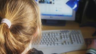 Unga möter sexköpare via nätet