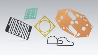 Tillverkning av kundanpassade packningar är en av de viktigaste arbetsuppgifterna i rollen som operatör.