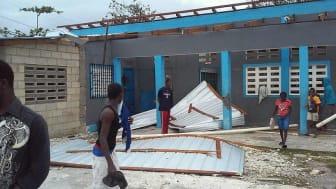 Många av Frälsningsarméns skolor och andra byggnader kommer att behöva reparera sina skador, flera av dem har förlorat sina tak.