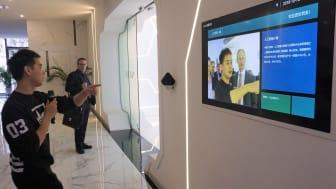 Kina satser massivt på kunstig intelligens og billedgenkendelse. Her er ATV på besøg i AI-town, Hangzhou