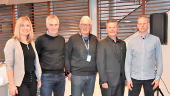 F.v: Daglig leder i NGBC, Kjersti Folvik, komitelederen for den nye NS-standarden for klimagassregnskap, Eivind Selvig, Tor-Atle Gjerde i Caverion, daglig leder i EPD-Norge, Håkon Hauan og avdelingsdirektør i Statsbygg, Morten Dybesland.