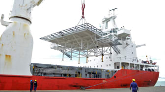 The helideck platform being unloaded upon arrival in Argentina. (Photo by Panalpina)