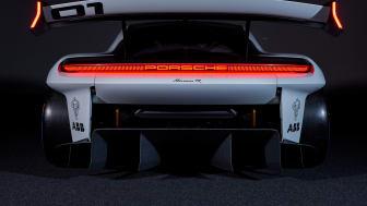 03 Porsche Mission R.jpg