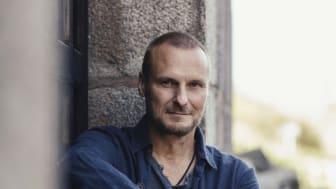 """Stefan Anderssons musikaliska succéföreställning """"Flygblad över Berlin"""" är tillbaka våren 2021!"""