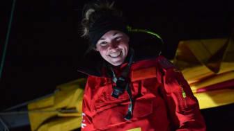 DHL-sponsrade Susie Goodall, den yngsta och enda kvinnliga deltagaren i seglingstävlingen Golden Globe, har anlänt till Storm Bay, Australien