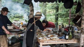 Internationell media har fått upp ögonen för Halland som en spännande matregion, en följd av regionens och kommunernas gemensamma strategi för att lyfta och skapa upplevelser kring mat, natur och aktiv semester. Bild: Stedsans in the Woods