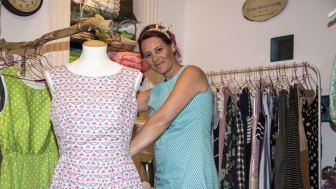 Omsætningen i Marlene Limnaious butik er faldet drastisk. - Jeg burde lukke, men jeg tror på fremtiden. Trods alt, siger hun.