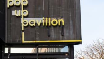 Der Pavillon liegt im Herzen der Kieler Altstadt und bietet auf 82m² Raum für regionale Kunstschaffende.