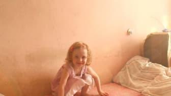 Happy Baby Minsk - Die SOS-Kinderdörfer in Weißrussland von der Regisseurin Andrea Zimmermann begleitet am 3. Dezember, 21.20 Uhr, ein SOS-Projekt in Weißrussland, das jungen Müttern in Not Hilfe anbietet.