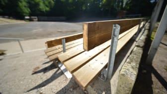 Die Besucher sitzen ab sofort auf Kebony – einem besonders lang haltbaren Holz, dass mit Bio-Alkohol imprägniert wird.