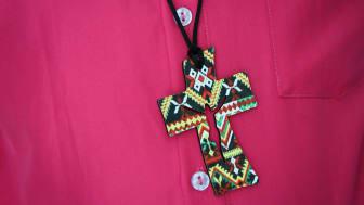 Foto: Unfiltered Communications. Ett kors i det filippinska urfolkets Lumad-stil. Kyrkorna har blivit några av lumadfolkets viktigaste allierade i kampen för minoriteters rättigheter och demokratiskt utrymme på Filippinerna.