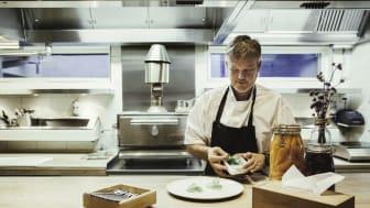 Mathias Dahlgren firar 5 år med 2 stjärnor - Kastar ut spisen från Matsalens kök