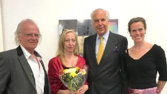Konstnären Erica Dahlén och Anders Wall flankerade av Aguélimuseets intendenter Å C Danell och Johanna Byström Sims. (Foto: Cari Hildebrand)