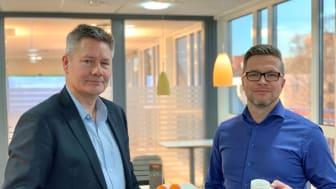 Fra venstre: Administrerende direktør Bendek Maartmann-Moe (INTUNOR Business Solutions) og Konsernsjef Torben Torbjønsen (INTUNOR Group)