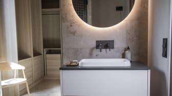 Asuntomessut-2021-villa-nordic-stories-vaatehuone-kylpyhuone.jpg