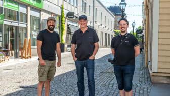 Waseem Youssef, Jarl Strömbom och Gustaf Syrén, de tre glada vinnarna i årets omgång av tävlingen #mittelskåp.