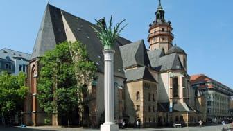 Nikolaikirchhof in Leipzig mit Nikolaikirche und Nikolaisäule - Foto: Andreas Schmidt