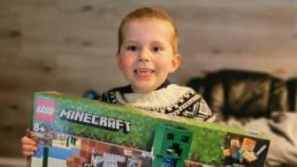 Lyspunkt: NaturNes fikk lov å glede hjertesyke Karl Emil med ny Lego, mens han venter på å få oppfylt drømmereisen sin til Legoland.