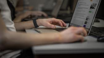 Cyberkriminella utnyttjar manipulation och mänskligt beteende för att lura människor. Foto: Högskolan i Skövde.