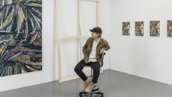 Porträtt Fredrik Åkum studio 2019