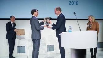 ISS-direktør Flemming Bendt modtog selv CSR People Prize sidste år.