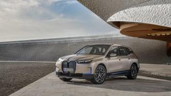 Fra vision til virkelighed: BMW Vision iNEXT bliver til BMW iX.