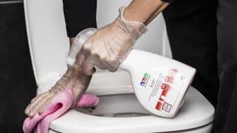 Bryt smittvägarna med engångshandskar och färgkodat städmaterial för dina städobjekt.