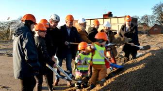 Första spadtaget för nya Familjens hus i Anderslöv