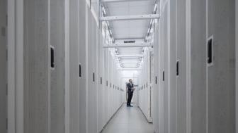 Schneider Electric och EcoDataCenter vidareutvecklar klimatpositivt samarbete