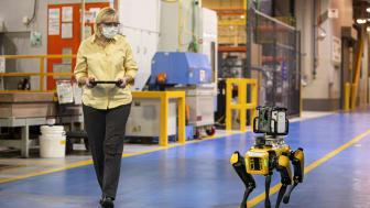 A Ford négylábú robotokat próbál ki a Van Dyke sebességváltó üzem lézeres végigszkennelésére
