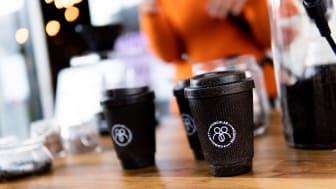 To-go-kopper lavet af minimum 40 % kaffegrums